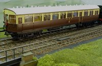 Dapol 7P-004-001 GWR 59' Auto Coach in GWR chocolate and cream with crest
