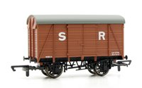 Hornby R6775 SR 12 Ton Vent Van 44811
