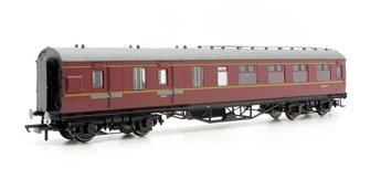 Hornby R4236C BR (Ex-LMS) Corridor Brake 3rd Class, Maroon 'M5806M'
