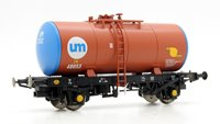 Heljan 1111 B Tank UNITED MOLASSES UM252/48053 (brown with blue barrel ends)