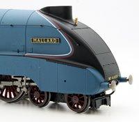 Hornby RailRoad LNER 4-6-2 'Mallard' A4 Class Locomotive 4468 with TTS Sound