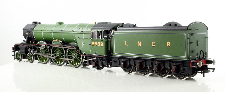 LNER Green 4-6-2 'Book Law' A3 Class Locomotive 2599