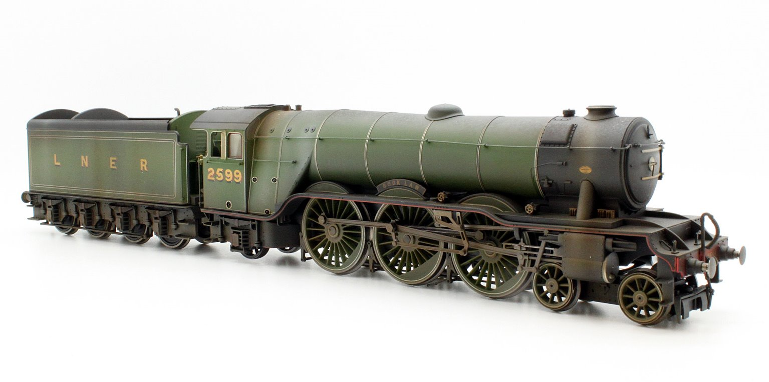 Custom Finished LNER Green 4-6-2 'Book Law' A3 Class Locomotive 2599 Weathered