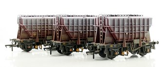 Triple Pack 22 Ton Presflo Wagons BR Bauxite - Weathered