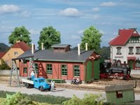 Auhagen 11355 HO Double track locomotive shed with gantry crane for narro